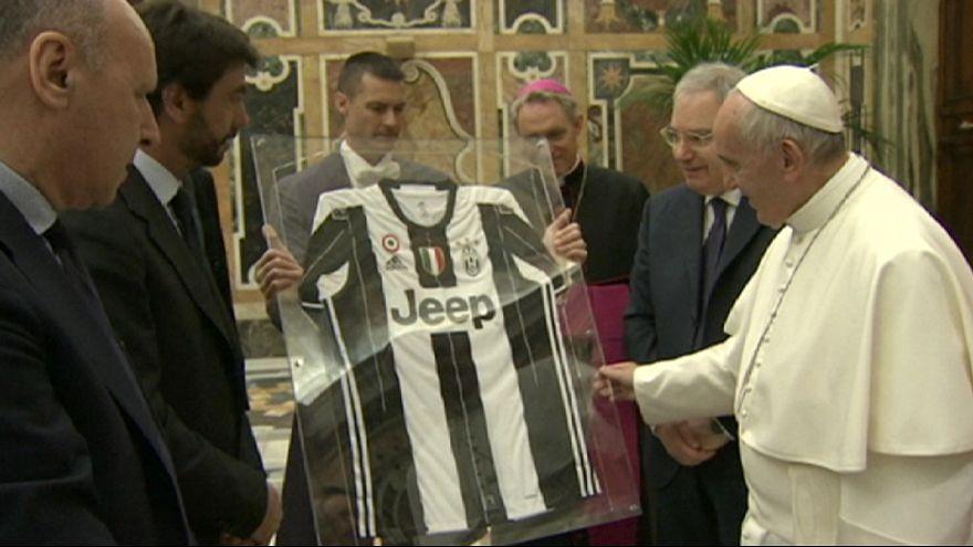 Pápai áldás az olasz kupa döntő előtt