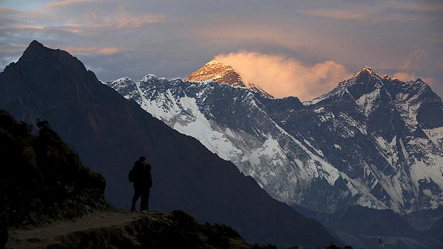 Hollandalı dağcı Everest'ten inerken öldü