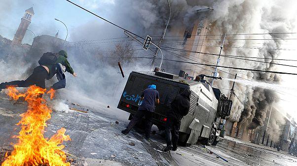 Chile: un muerto en los disturbios registrados durante las protestas contra Bachelet