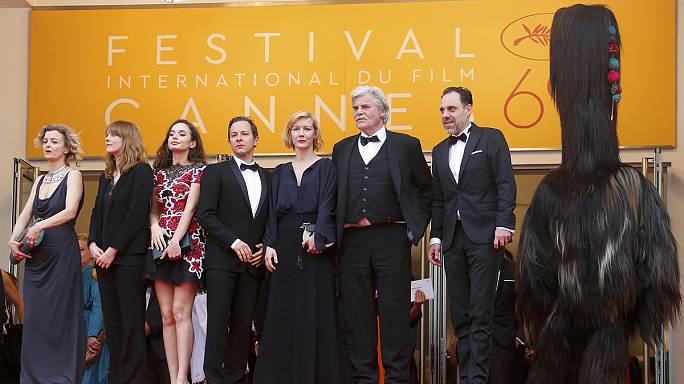 Mortifying and hysterical 'Toni Erdmann' wins critics prize at Cannes