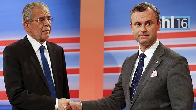 Hétfőn derül ki, ki nyeri az elnökválasztást Ausztriában