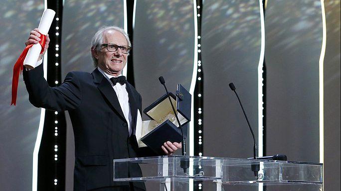 """المخرج البريطاني الواقعي كين لوتش يفوز بالسعفة الذهبية في مهرجان """"كان"""" السينمائي"""