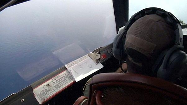 """السيسي:""""كل الفرضيات محتملة لتفسير سقوط الطائرة"""""""