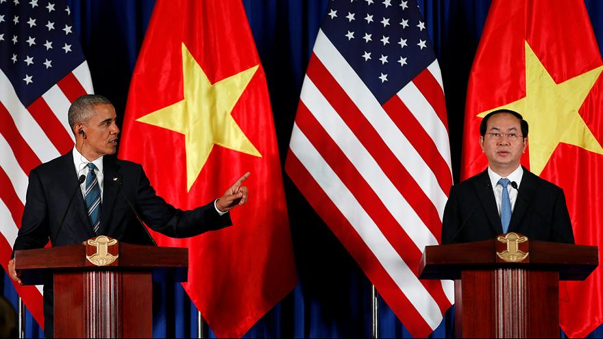 Obama lifts lethal arms embargo on Vietnam