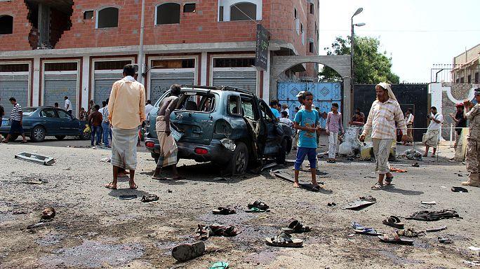 """عدن: اكثر من 40 قتيلاً في هجومين لتنظيم """"الدولة الاسلامية """"على معسكر بدر"""