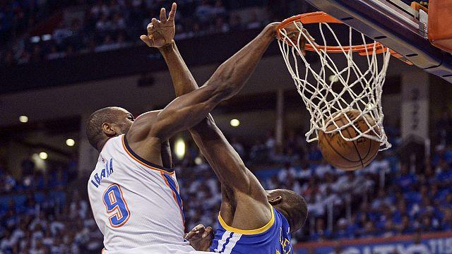 الدوري الامريكي لكرة السلة: أوكلاهوما سيتي يذيق غولدن ستايت علقم الهزيمة