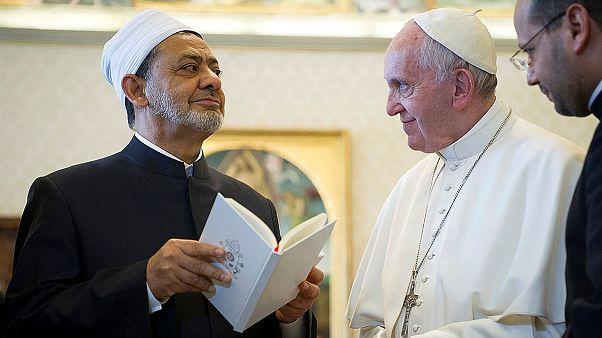 Papst empfängt erstmals Großscheich aus Kairo im Vatikan