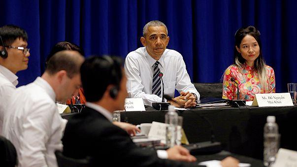 No Vietname, Obama pede mais direitos humanos