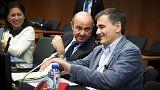 El Eurogrupo intenta liberar ayuda para Grecia