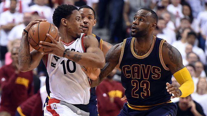 الدوري الامريكي لكرة السلة: تورونتو يفوز على كليفلاند للمرة الثانية على التوالي