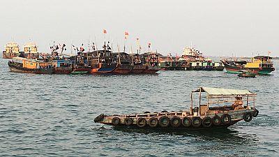 La marine sud-africaine intercepte trois chalutiers chinois soupçonnés de pêche illégale