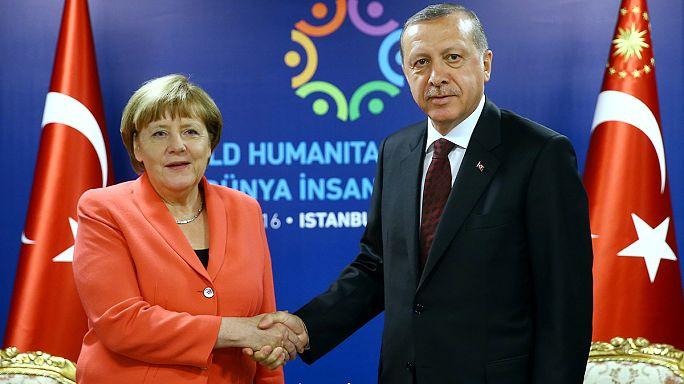 اردوغان يحذر الاتحاد الأوروبي بعدم تنفيذ اتفاق الهجرة