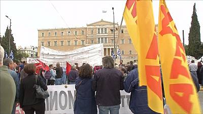 "Les ministres des Finances de la zone euro sont convenus de ""mesures progressives"" afin d'alléger la dette de la Grèce"