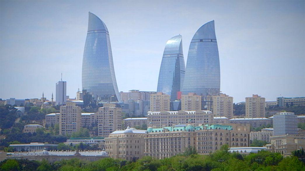Le vertiginose Flame Towers a Baku