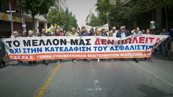 موافقت صندوق بین المللی پول و یورگروپ با اعطای وام جدید به یونان