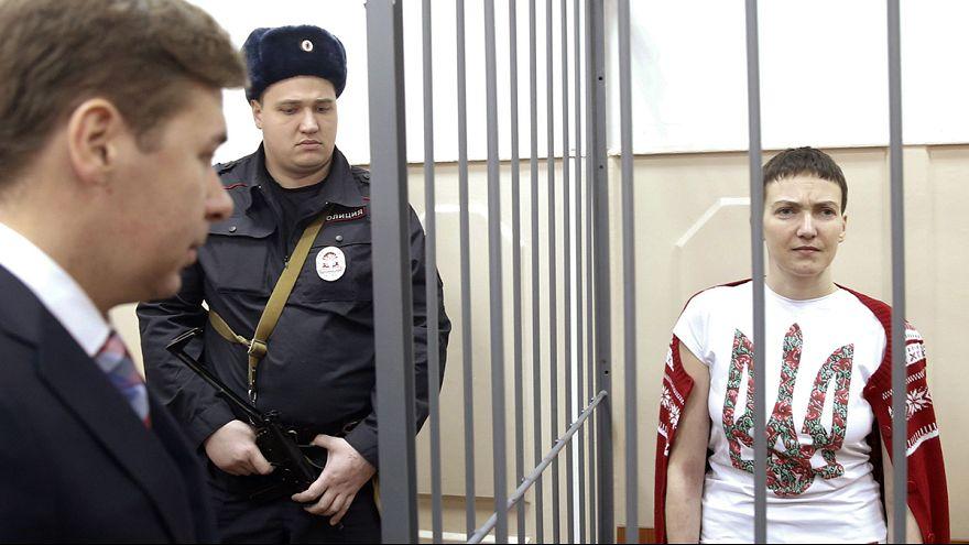 روسيا تسلم ناديجدا سافتشينكو إلى أوكرانيا مقابل افراج كييف عن جنديين روسيين