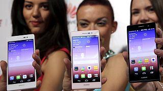Huawei подала в суд на Samsung