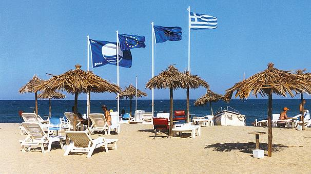 Ελλάδα: Οι 430 παραλίες που κέρδισαν «Γαλάζια Σημαία» για το 2016