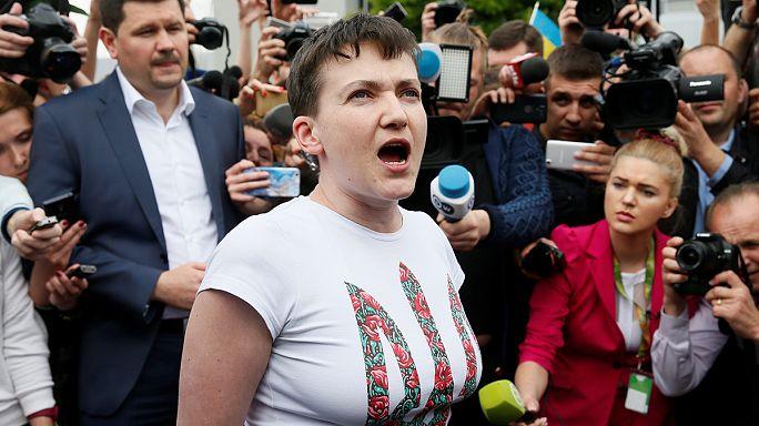 Ukraynalı pilot Nadia Savchenko ülkesine döndü