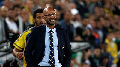Peter Bosz é o novo treinador do Ajax.