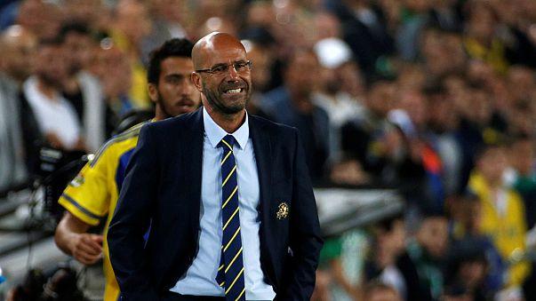 Peter Bosz sustituye a Frank de Boer como entrenador del Ajax