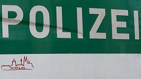 Deutschland: Gesuchte Straftäterin zu laut beim Sex – Festnahme