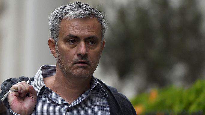 Mourinho a MU padján köthet ki