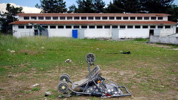 Greek police clear Idomeni camp