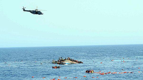 Forse un centinaio i dispersi nel naufragio al largo della Libia