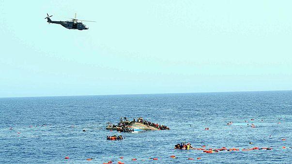 حوالى مائة مفقود في غرق زورق لمهاجرين غير شرعيين