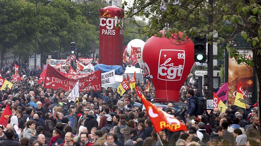 Francia: in migliaia partecipano all'ottavo sciopero generale contro la riforma del lavoro