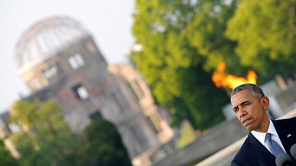 Hirosimai túlélőt ölelt meg Barack Obama az atomcsapás sújtotta városban