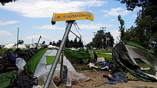 Greek police finish clearing up Idomeni refugee camp
