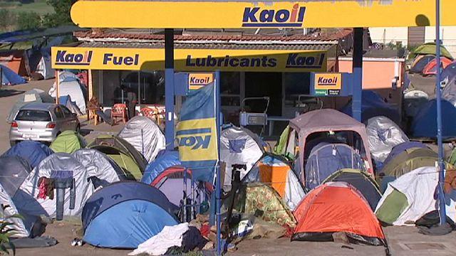 Yunanistan'a 'mülteci kamplarını iyileştir' uyarısı