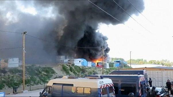 Массовая драка в лагере беженцев на севере Франции