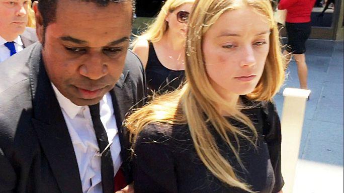 الممثلة آمْبِرْ هيرْد تُقاضي زوجها السابق جوني ديب بتهمة الاعتداء عليها ضربًا