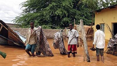 Flooding in Kenya threatens food stocks