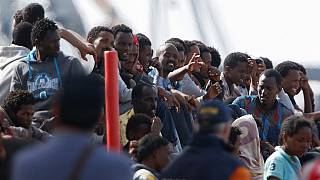 About 800 migrants rescued in the Mediterranean arrive in Italy