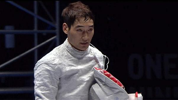 Korean Kim fences to saber gold in Moscow