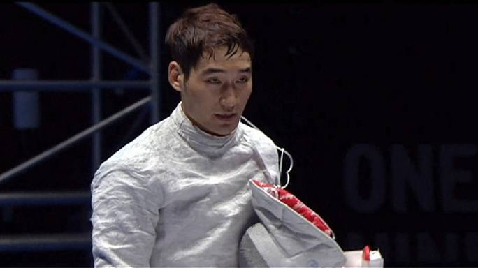 الكوري الجنوبي يونغ هوان كيم يفوز بالجائزة الكبرى للمبارزة بالسيوف في موسكو
