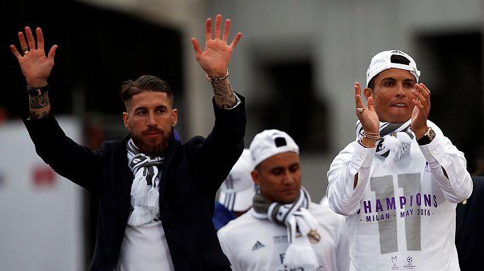 زين الدين زيدان وأبطاله يحظون باستقبال تاريخي في مدريد