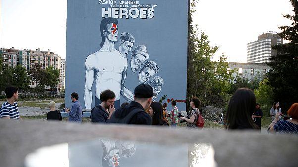 Bosnia rinde homenaje a David Bowie