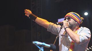 """فرقة """"هوبا هوبا سبيريت"""" تغني ماروك آند رول في مهرجان غناوة للموسيقى في المغرب"""