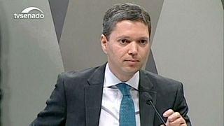 Brasile: l'inchiesta Petrobras colpisce ancora, si dimette ministro Trasparenza