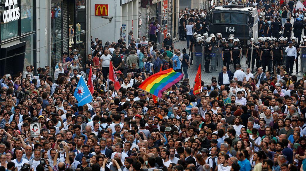 Турецкая полиция не пропустила манифестантов в парк Гези