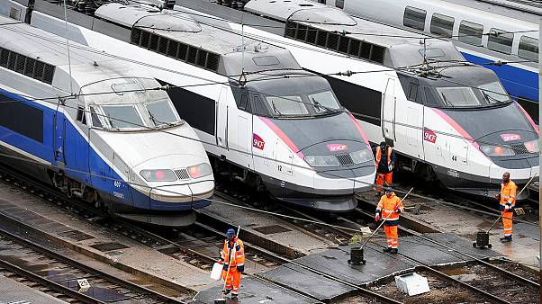 Fransa'da demiryolu ulaşımına grev engeli