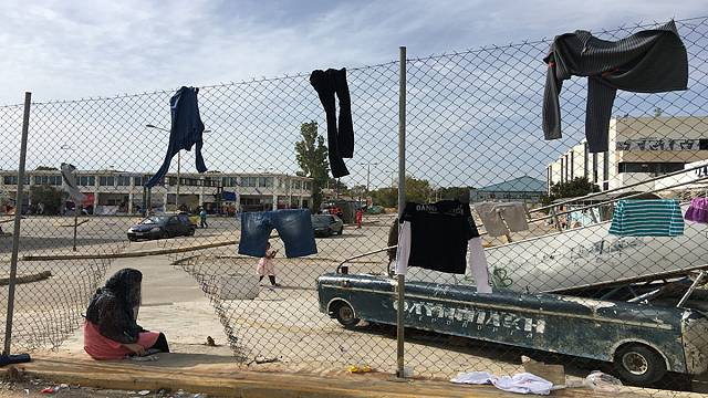 Как живут беженцы в окрестностях Афин?