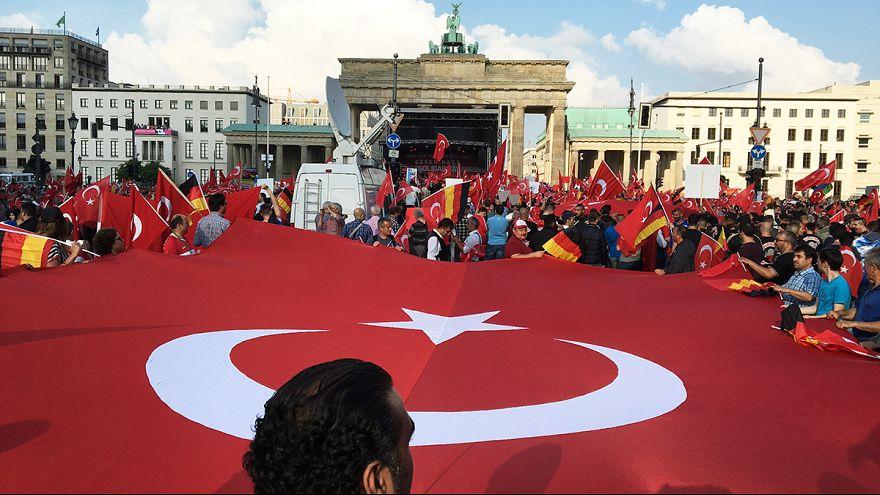Berlin'de 'Ermeni karar tasarısına' karşı protesto