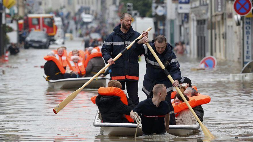 Unwetter in Frankreich: Tote Frau in überschwemmtem Haus gefunden