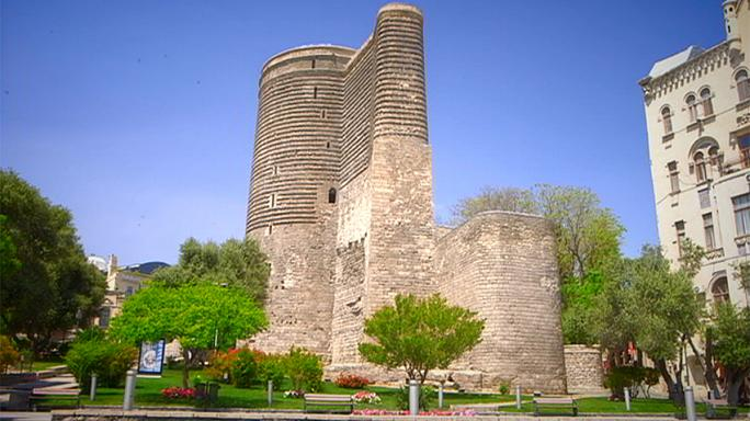 Старый город Баку: зачем девушке башня?